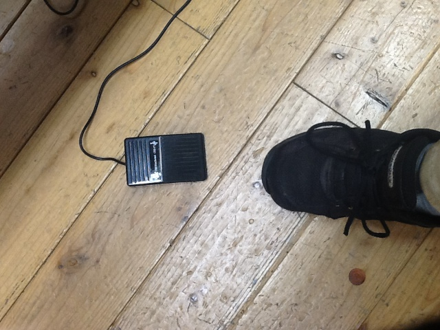 ScanSnap SV600の足踏みスイッチ(セット販売のみ)